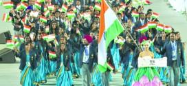 आशियाई मेळ्यात संचलन करताना भारतीय पथक