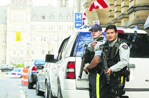 कॅनडाच्या संसद संकुलाच्या परिसरात गोळीबार