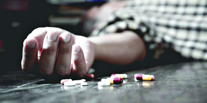 आत्महत्या टाळता येऊ शकतात…