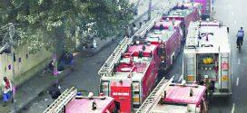 दिल्लीतील धान्य बाजाराला आग, ४३ जणांचा मृत्यू